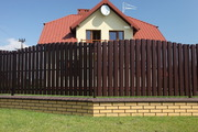 Забор из профнастила в виде штакетника