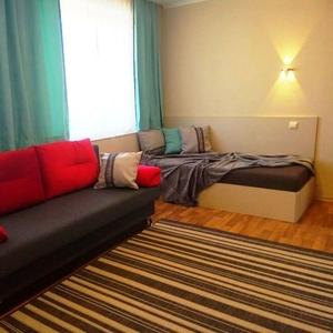 18 рублей с человека с условием размещения гостей от 2-х суток проживания от 2 до 7 человек.