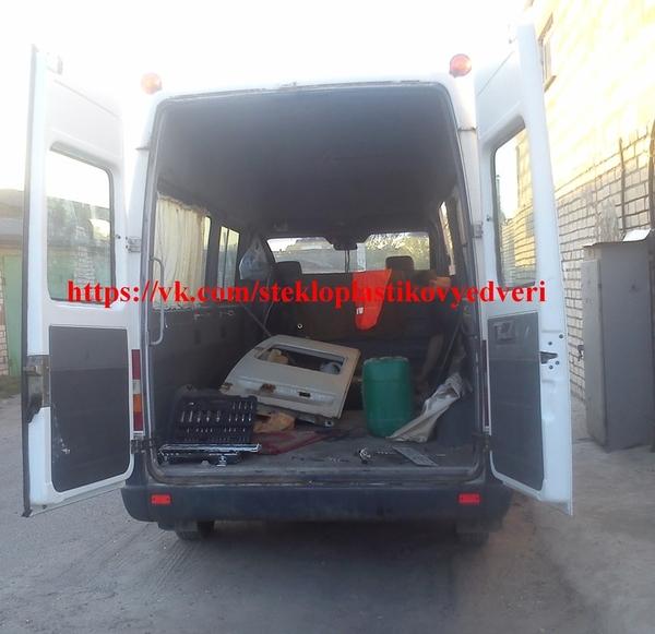 Стеклопластиковые задние двери Мерседес Спринтер 3